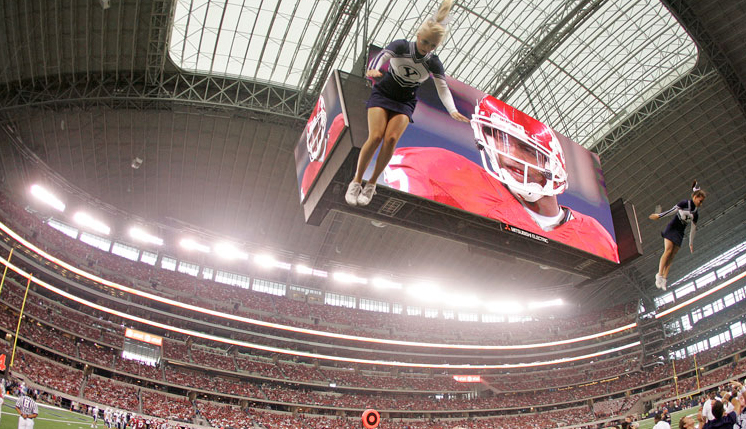 These world's largest HD displays in Cowboys' stadium will feature the world's first and biggest live 3D conversion demo on Sunday, Dec. 13 by HDlogix.